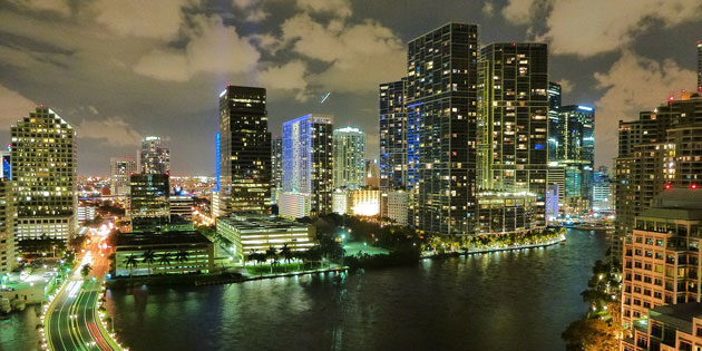 miamiyrs-skyline1